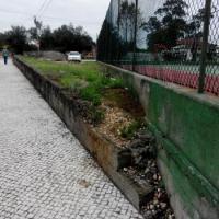 Barreira - Construção de parque estacionamento